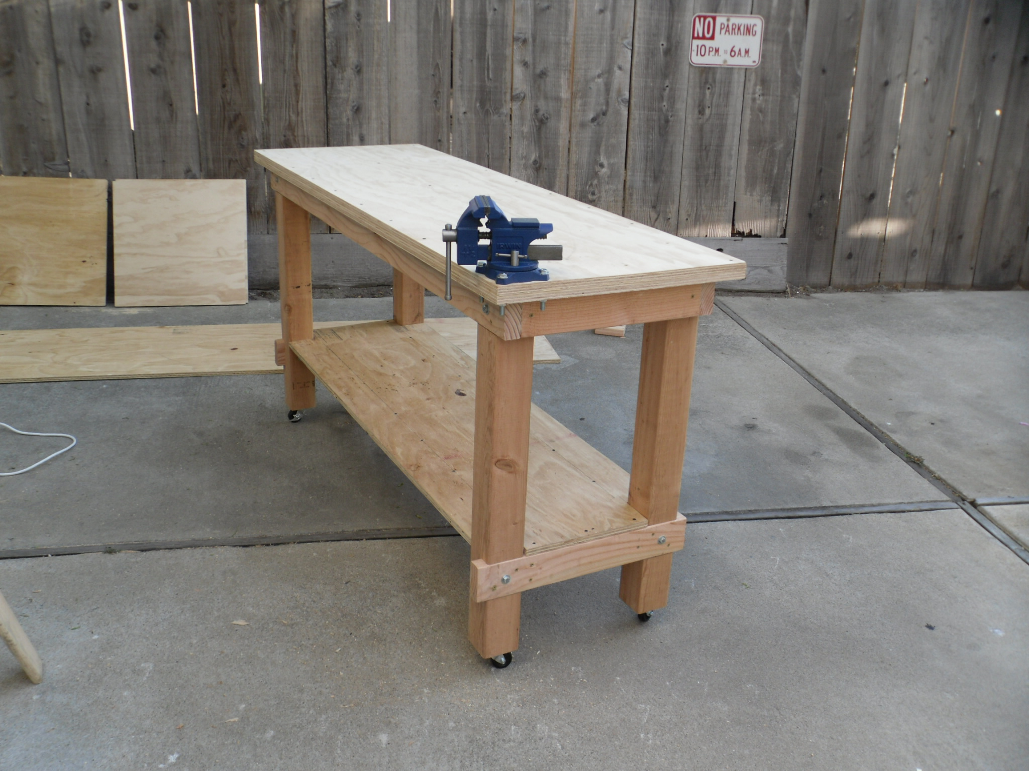 Building plans garage workbench for Working table design ideas